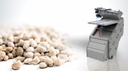Ammonium sulfate screen for the fertiliser storage system