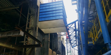 Delivery and erection of large-size structures as part of the construction of a selective catalytic reduction (SCR) plant